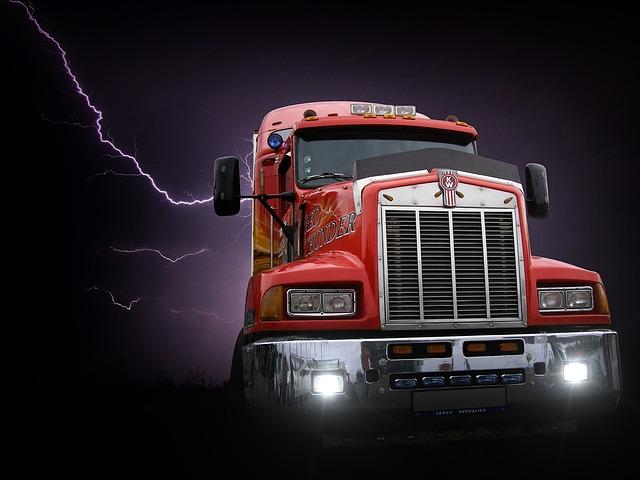 blesk nad kamionem
