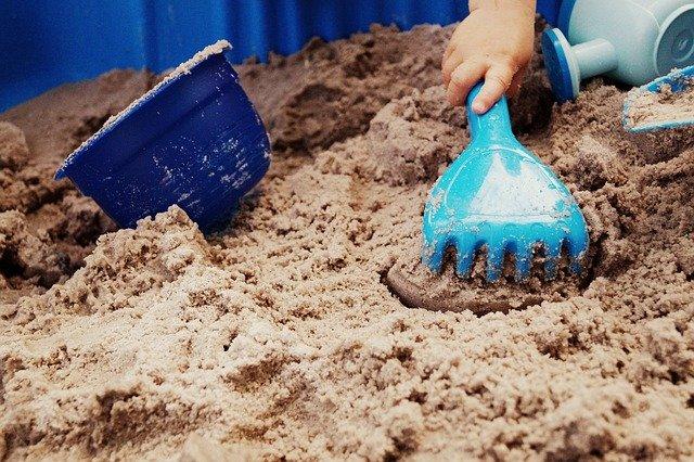 hračky na písek.jpg